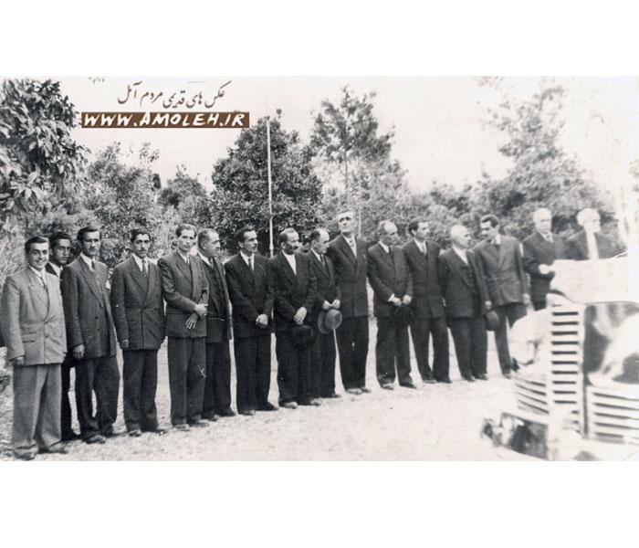 12 دهه 1320 هيئت در انتظار آمدن محمد رضا پهلوي