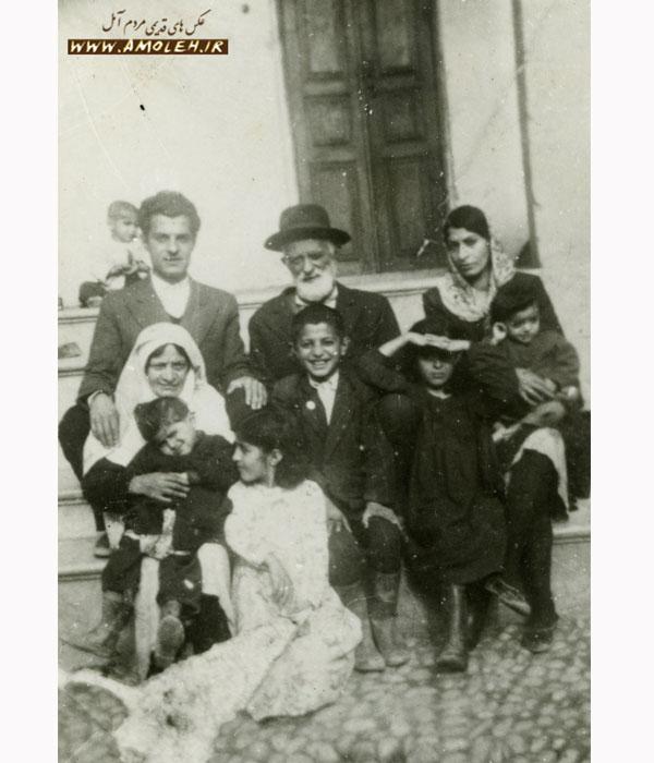 عکس یادگاری خانواده سال ۱۳۳۶