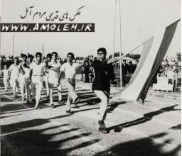 رژه تيم ژيمناستيک سال 49