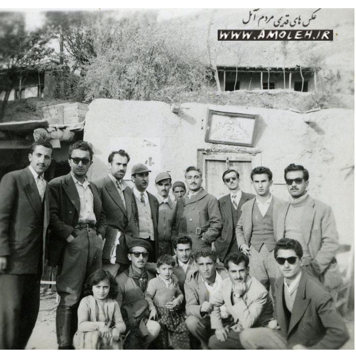 عکس یادگاری جلوی مخابرات رینه دهه ۳۰