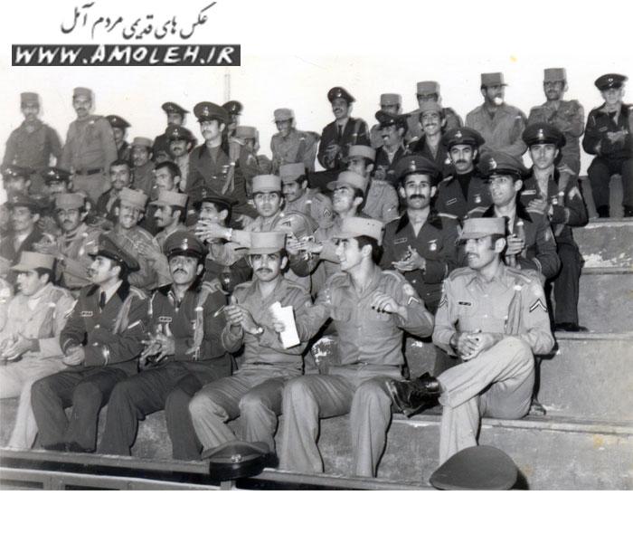 عکس دسته جمعی سپاهی دانش دوره سی دهه ۵۰