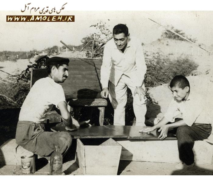 عکس یادگاری از نجاری حدود دهه ۵۰