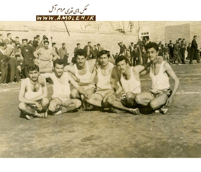 عکس از تیم والیبال آموزشگاههای آمل سال ۱۳۳۷