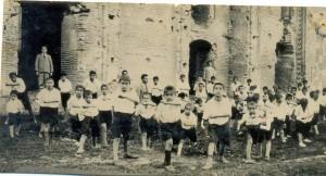 ورزش دانش آموزان در محوطه ی میر بزرگ سال 1314